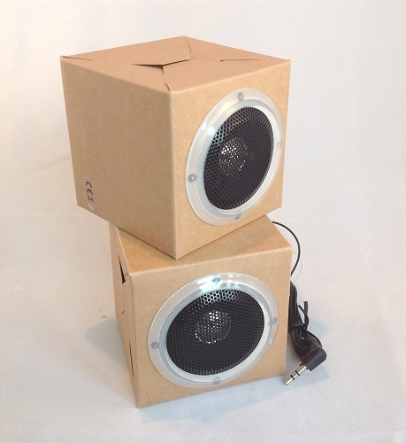 Mini speakers van karton